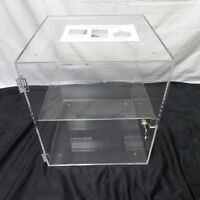 (5) Fine Acrylic Display Cases with lock new in box