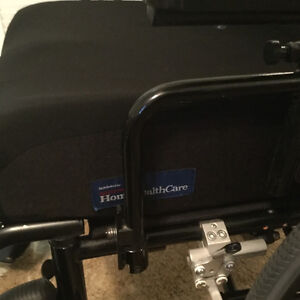 Wheelchair Extra clean . Barely used. Kitchener / Waterloo Kitchener Area image 4