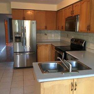 Rent Your DREAM HOME> Don't Miss This Lovely Semi Cambridge Kitchener Area image 5