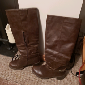 Brown knee boots - size 7