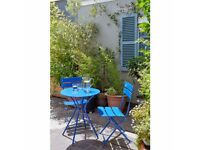 Garden chairs table set new in box metal blue chair