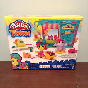 """""""PLAY-DOH"""" TOWN PET STORE......BRAND NEW! AGES 3+"""