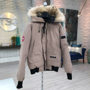 Canada Goose Men's Chilliwack Bomber (Small - Tan)