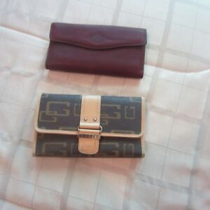 BUXTON GENIUNE LEATHER WALLET