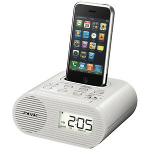 Sony FM Clock Radio for iPod & iPhone W/Charging Dock ICF-C05iP