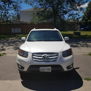 FOR SALE:  2011 Hyundai Santa Fe GL