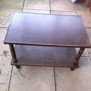 vintage classic rolling coffee table 2ftx3ftx2ft