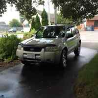 2004 Ford Escape SUV, Crossover
