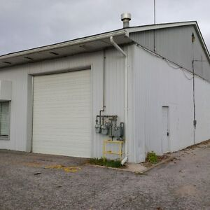 Large garage for lease in Alliston