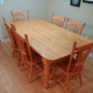 Solid Oak Kitchen Table with (6) Chairs