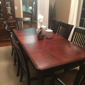 Dining Room Table and8 Chairs