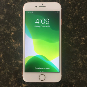 Unlocked iPhone 7 32GB in perfect condition