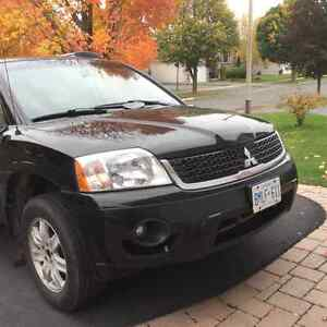 2011 Mitsubishi Endeavor SUV, Crossover LOOKING FOR A GOOD HOME Cornwall Ontario image 3