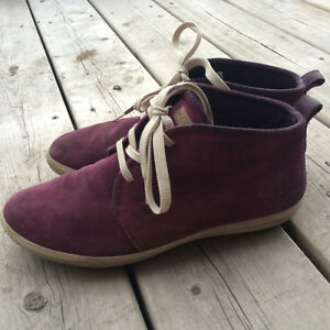 Purple Suede Ecco Shoes Size 7.5/38
