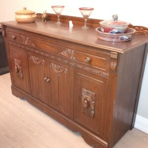 Antique Buffet/Server - Excellent condition