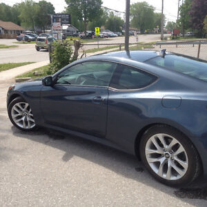 2013 Hyundai Genesis Coupe Priemun Coupe (2 door)