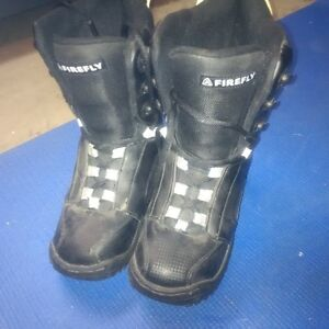 Firefly Snowboard Boots Size 4