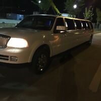 Perfect Limo - Book 14 Passanger Limo for any OCCASION