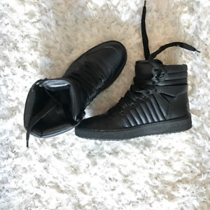 Black Leather Gucci Sneakers