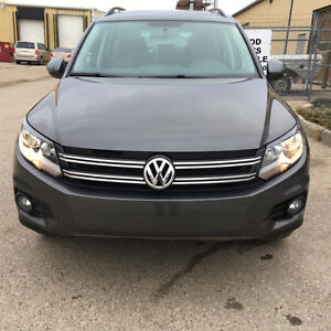 2014 Volkswagen Tiguan TSI 4Motion AWD PANOROOF/LEATHER/CAMERA