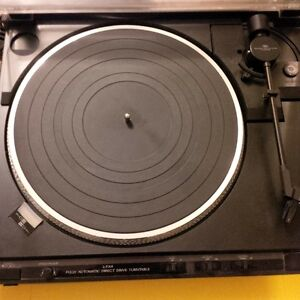 JVC L-FX4 Direct drive Turntable