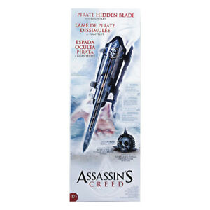 Assassin's Creed Pirate Hidden Blade, Gauntlet and Skull Buckle