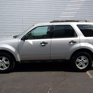 2009 Ford Escape XLT 3.0 liters