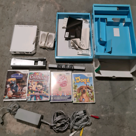 Nintendo wii for spares repair Complete missing controllers