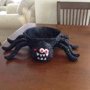 Spider treat bowl