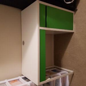 Clean IKEA desk white&green