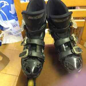 Rocks Roller blades Kitchener / Waterloo Kitchener Area image 2