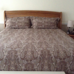 King Size Duvet cover with 2 King size shams