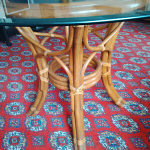 Gorgeous Round Rattan Table with Glass Top