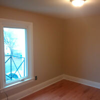 RENOVATED ROOM FOR RENT - CLOSE TO QUEEN'S - $525 INCLUSIVE