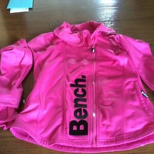 SWEATER / COAT FOR  GIRL   OR WOMEN (GOOD QUALITY)
