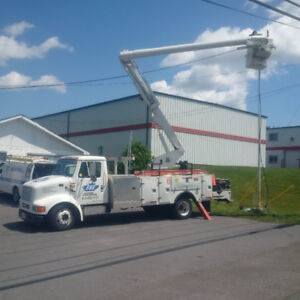 REDUCED!! READY TO WORK BUCKET TRUCK