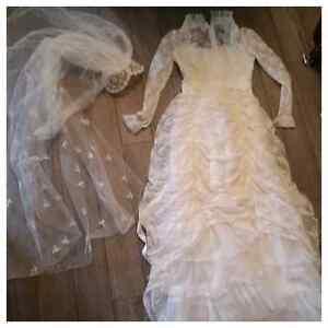 Vintage Wedding Dress , Excellent Condition