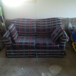 Love Seat (couch/sofa) in great shape.