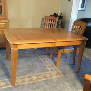 Dining Room set for sale.