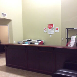 FURNISHED OFFICE SPACES AVAILABLE IN PRIME MISSISSAUGA LOCATION