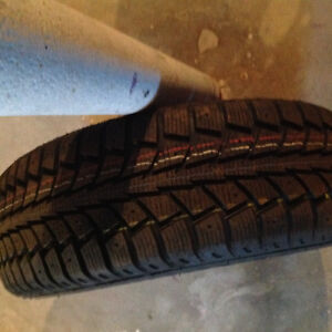 Honda Civic snow tires - 4 brand new tires mounted on rims
