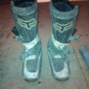 size 9 fox boots