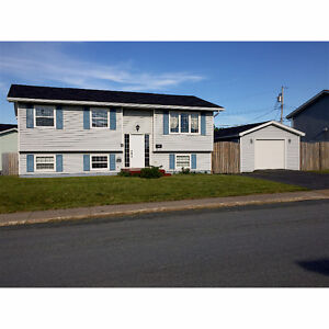 BEAUTIFUL 3 BEDROOM HOUSE FOR RENT AVAILABLE IMMEDIATELY!