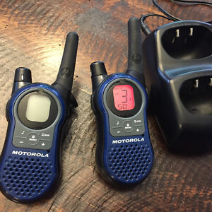 Motorola talkabout 2 way radio ( walkie talkies)