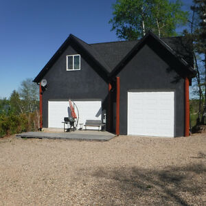 Unique Lakefront Home at Beautiful Sunset Cove near Big River