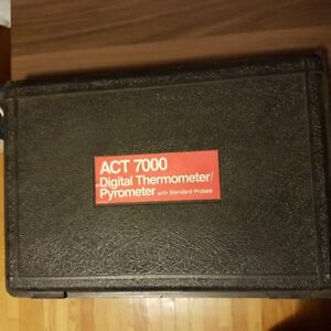 Snap on digital thermometer/pyrometer