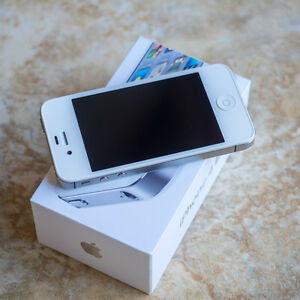 iPhone 4S 16gb white colour, LIKE NEW
