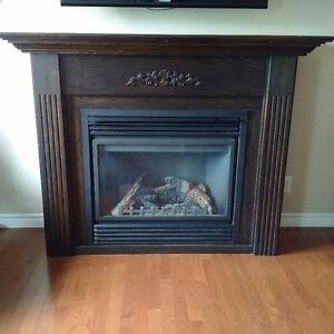 Solid Oak Fireplace Mantel Kingston Kingston Area image 1