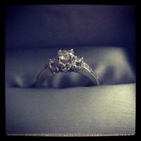 ENGAGEMENT RING!!