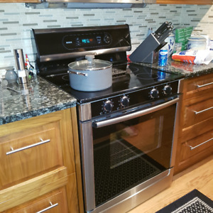 Bosch Free Standing Electric Convection Range